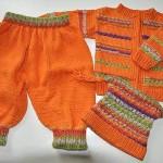turuncu örgü pantolon şapka ve hırkası