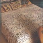 büyül çiçekli krem rengi dantel yatak örtüsü modeli