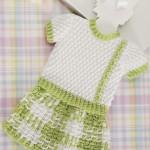 beyaz ve yeşil örgü bebek süveter ve etek modelleri
