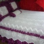 bordo fırfırlı pullu dantel yatak örtüsü modeli