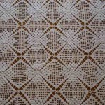 kare motifli masa örtüsü örneği