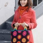 rengarenk ahşap saplı motifli çanta