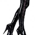 yandan bağlamalı parlak siyah çizme modelleri